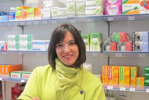 Imagen de Irune Andraca Iturbe en la farmacia